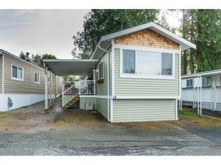 """Photo 4: 14 24330 FRASER Highway in Langley: Otter District Manufactured Home for sale in """"Langley Grove Estates"""" : MLS®# R2518685"""