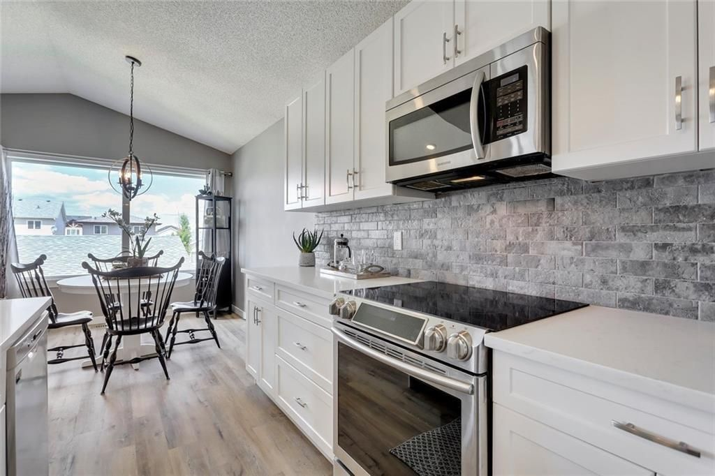 Main Photo: 414 SAGEWOOD Drive SW: Airdrie Detached for sale : MLS®# C4256648