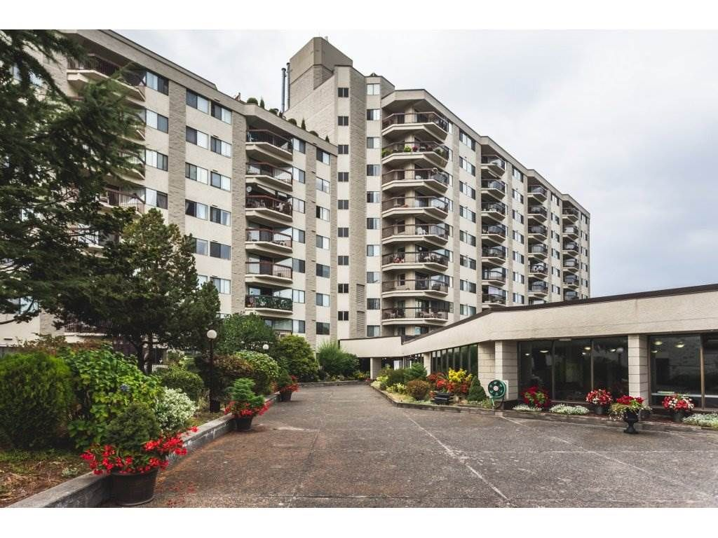 Main Photo: 517 31955 OLD YALE Road in Abbotsford: Central Abbotsford Condo for sale : MLS®# R2300517