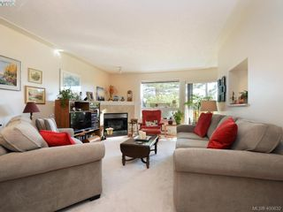 Photo 2: 6 300 Six Mile Rd in VICTORIA: VR Six Mile Row/Townhouse for sale (View Royal)  : MLS®# 799433