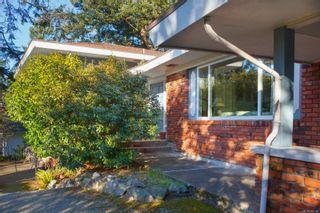 Photo 3: 945 Kingsmill Rd in : Es Gorge Vale House for sale (Esquimalt)  : MLS®# 866189
