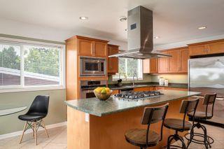 Photo 6: 2015 Pelly Pl in : OB Henderson House for sale (Oak Bay)  : MLS®# 856829