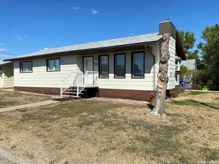 Photo 1: 315 2nd Street East in Cabri: Residential for sale : MLS®# SK871543