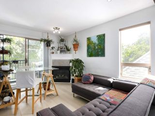 """Photo 5: 312 688 E 16TH Avenue in Vancouver: Fraser VE Condo for sale in """"Vintage Eastside"""" (Vancouver East)  : MLS®# R2510286"""