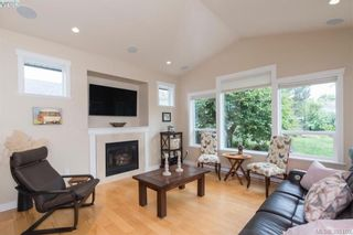 Photo 7: 2111 JAMES WHITE Blvd in SIDNEY: Si Sidney North-West Half Duplex for sale (Sidney)  : MLS®# 792176