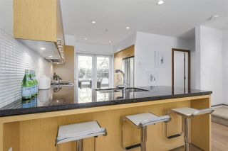 """Photo 8: 214 1961 COLLINGWOOD Street in Vancouver: Kitsilano Townhouse for sale in """"VIRIDIAN GREEN"""" (Vancouver West)  : MLS®# R2205025"""