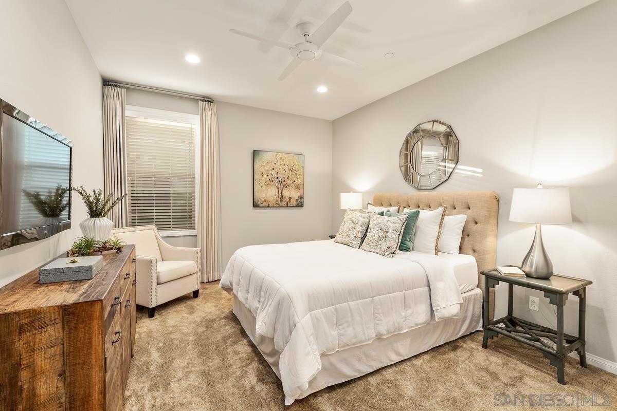 Photo 18: Photos: RANCHO BERNARDO House for sale : 3 bedrooms : 8012 Auberge Circle in San Diego