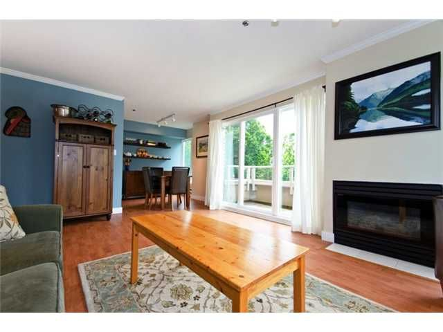 """Main Photo: 302 3218 ONTARIO Street in Vancouver: Main Condo for sale in """"TRENDY MAIN"""" (Vancouver East)  : MLS®# V897888"""