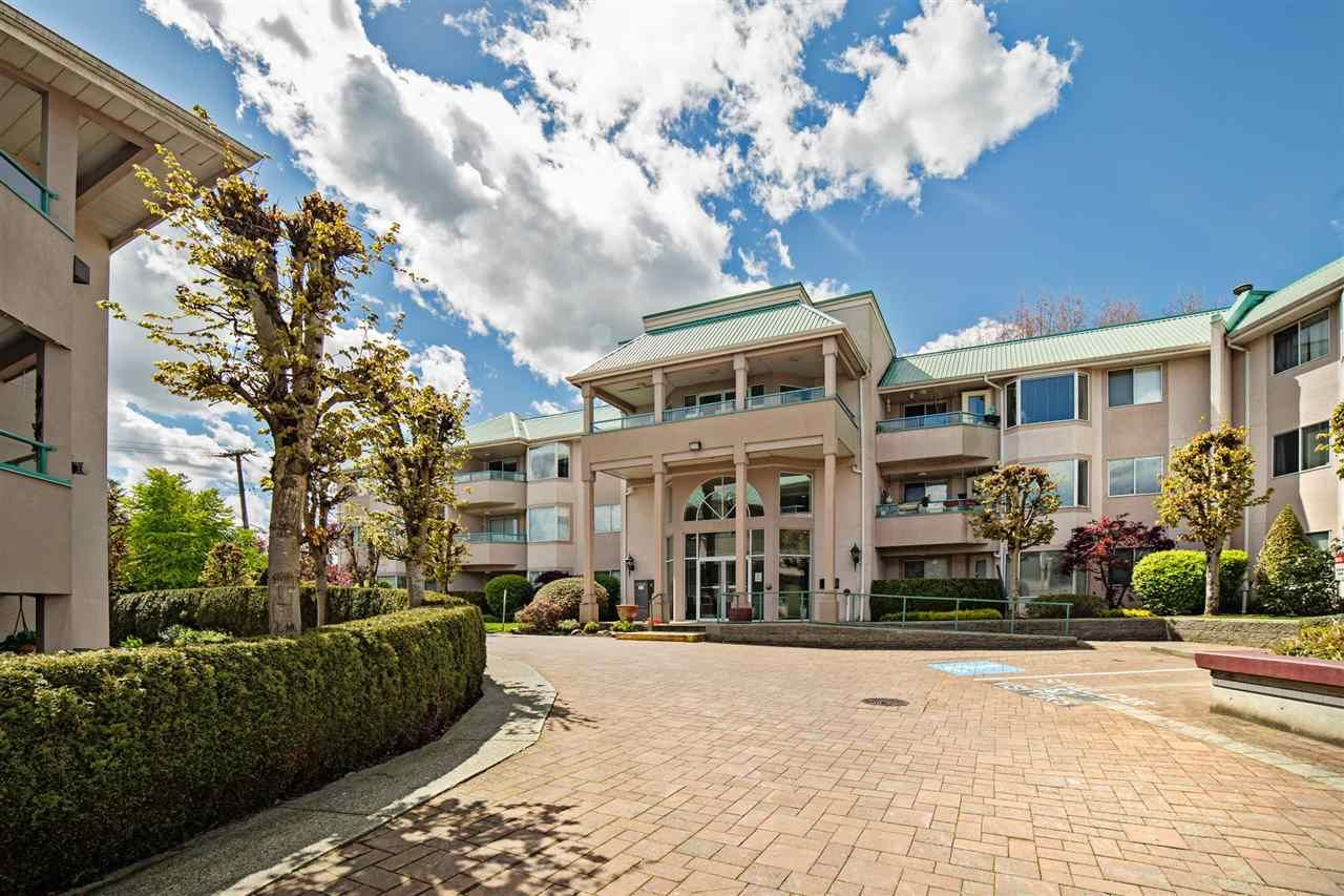 """Main Photo: 210 33165 OLD YALE Road in Abbotsford: Central Abbotsford Condo for sale in """"SOMMERSET RIDGE1"""" : MLS®# R2161637"""