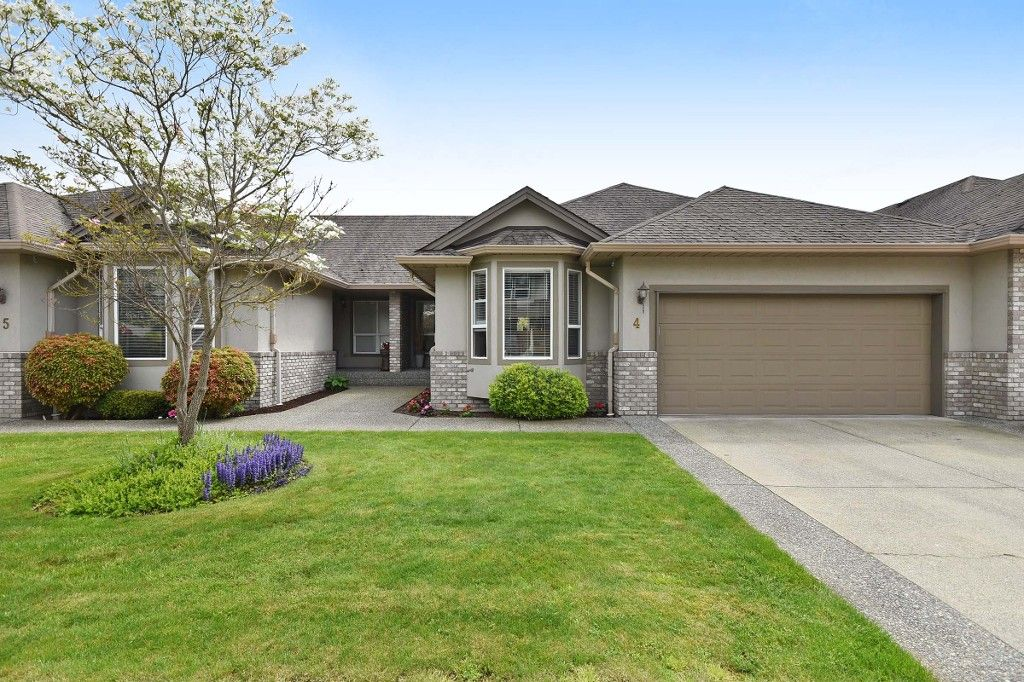 """Main Photo: 4 2525 YALE Court in Abbotsford: Abbotsford East Townhouse for sale in """"Yale Court"""" : MLS®# R2164934"""
