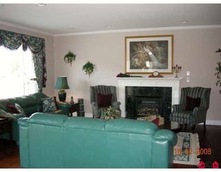 """Photo 5: 7341 146A Street in Surrey: East Newton House for sale in """"CHIMNEY HEIGHTS"""" : MLS®# F2804235"""