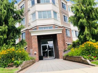 "Photo 2: 105 15357 ROPER Avenue: White Rock Condo for sale in ""REGENCY COURT"" (South Surrey White Rock)  : MLS®# R2477696"