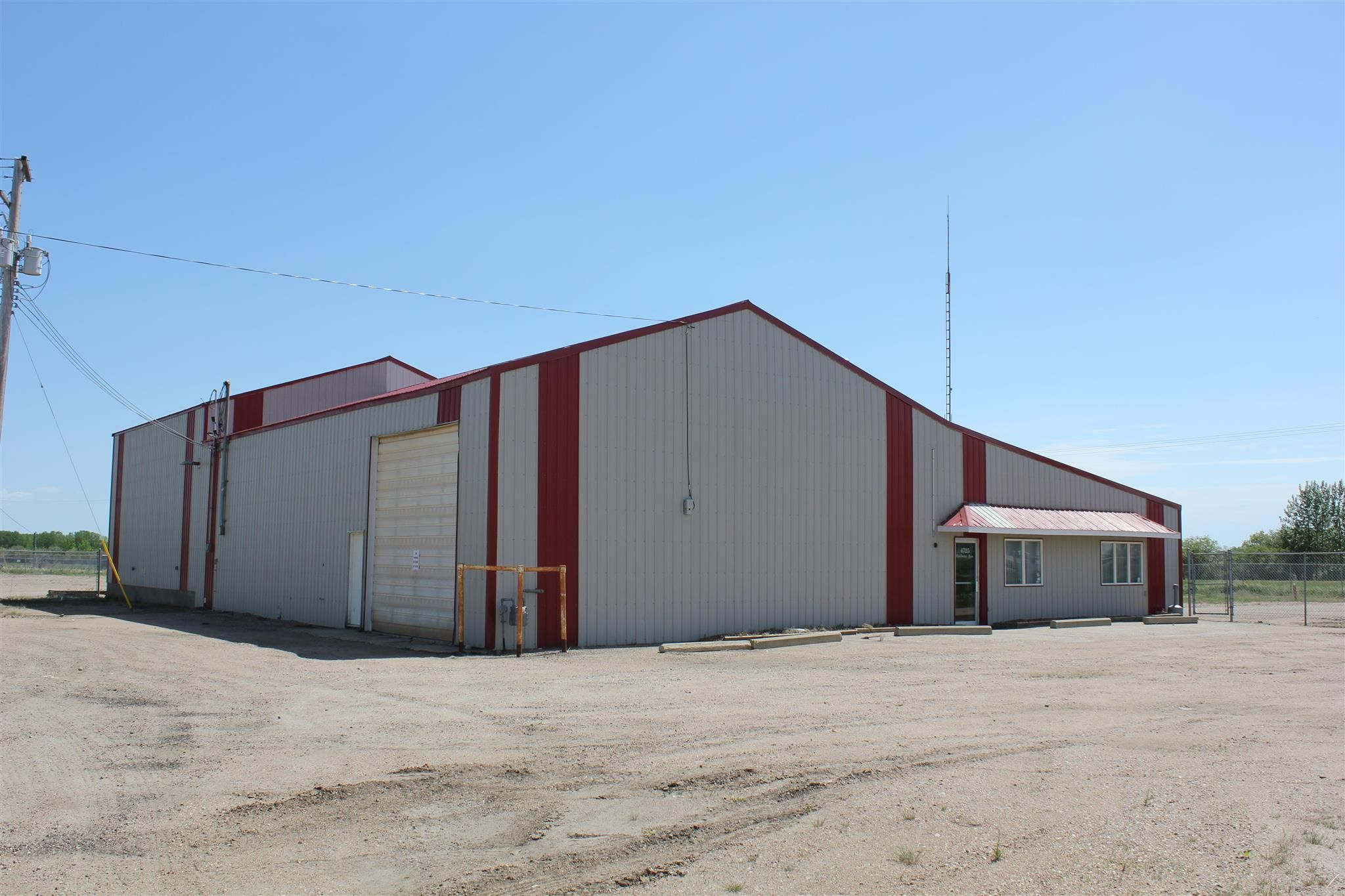 Main Photo: 4725 Railway Ave: Elk Point Industrial for sale : MLS®# E4226307