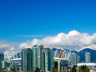 """Photo 1: 404 388 W 1ST Avenue in Vancouver: False Creek Condo for sale in """"THE EXCHANGE"""" (Vancouver West)  : MLS®# V1028659"""