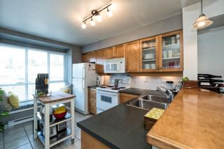 Photo 7: 24 288 ST. DAVIDS Avenue in North Vancouver: Lower Lonsdale Townhouse for sale : MLS®# R2163127
