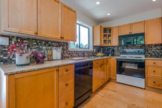 Photo 6: 1196 DEEP COVE Road in North Vancouver: Deep Cove Townhouse for sale : MLS®# R2279421