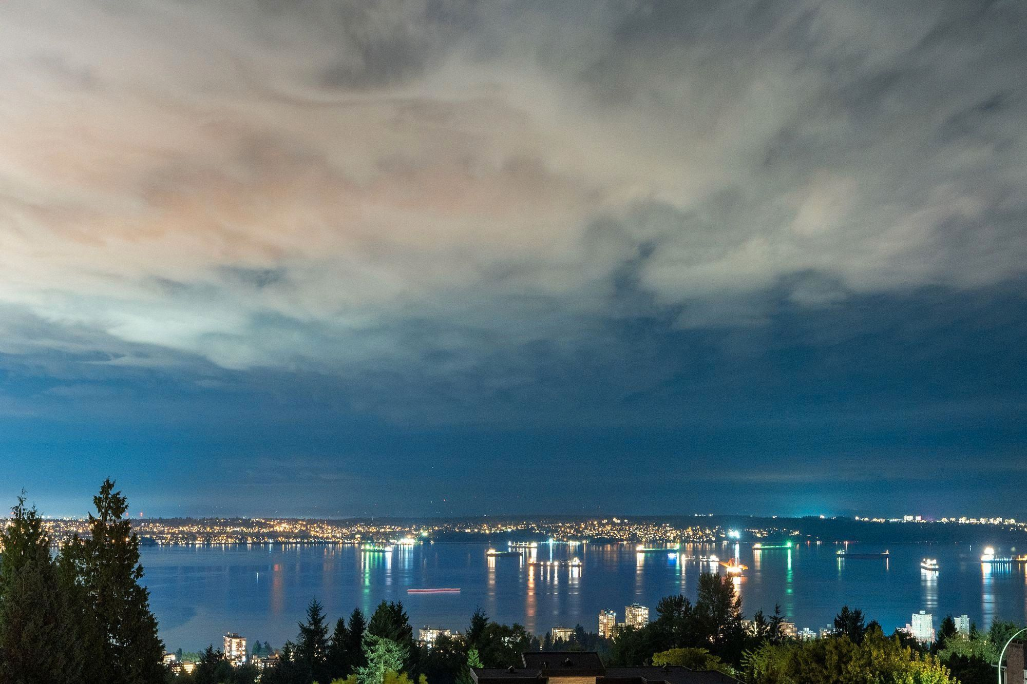 Main Photo: 1335 CHARTWELL Drive in West Vancouver: Chartwell House for sale : MLS®# R2615324