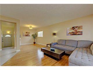 Photo 9: 9312 5 Street SE in Calgary: Acadia House for sale : MLS®# C4063076