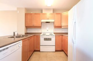 """Photo 8: 402 808 SANGSTER Place in New Westminster: The Heights NW Condo for sale in """"THE BROCKTON"""" : MLS®# R2077113"""