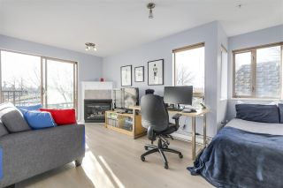 """Photo 3: 312 688 E 16TH Avenue in Vancouver: Fraser VE Condo for sale in """"VINTAGE EASTSIDE"""" (Vancouver East)  : MLS®# R2226953"""