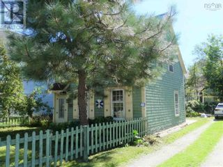 Photo 2: 465 MAIN Street in Liverpool: House for sale : MLS®# 202124233