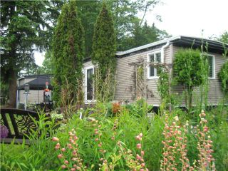 """Photo 1: 5 1413 SUNSHINE COAST Highway in Gibsons: Gibsons & Area Manufactured Home for sale in """"Poplar Mobile Home Park"""" (Sunshine Coast)  : MLS®# V836470"""