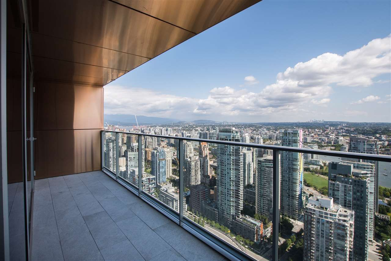 "Main Photo: 5505 1480 HOWE Street in Vancouver: Yaletown Condo for sale in ""VANCOUVER HOUSE"" (Vancouver West)  : MLS®# R2561007"