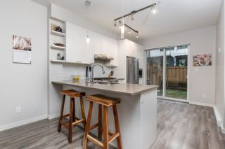 """Photo 8: 38354 SUMMITS VIEW Drive in Squamish: Downtown SQ Townhouse for sale in """"EAGLEWIND NATURE'S GATE"""" : MLS®# R2465983"""