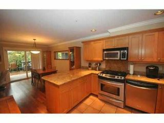 Photo 2: 4 227 E 11TH Street in North Vancouver: Central Lonsdale Townhouse for sale : MLS®# V1001342