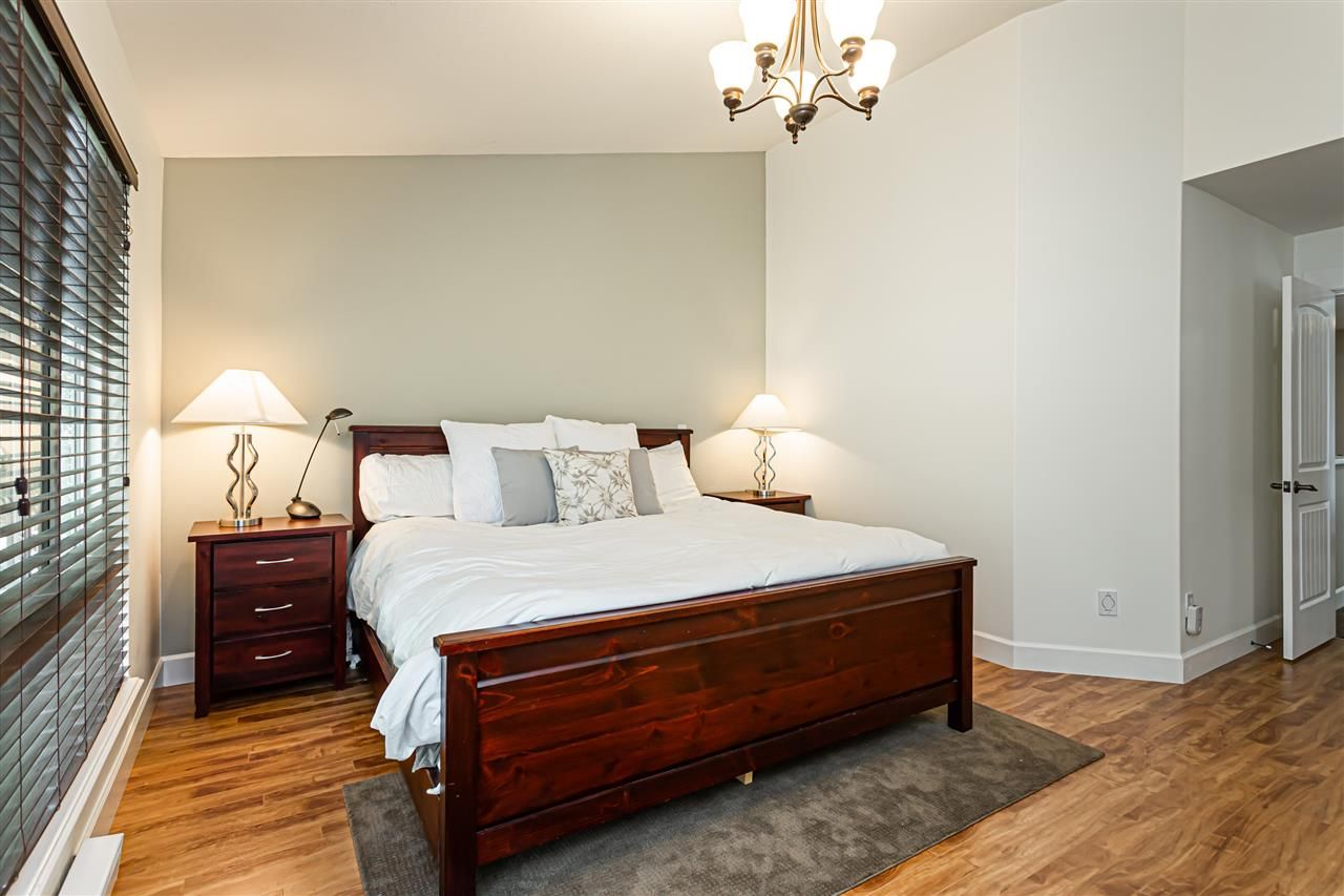"""Photo 16: Photos: 6751 204B Street in Langley: Willoughby Heights House for sale in """"TANGLEWOOD"""" : MLS®# R2557425"""