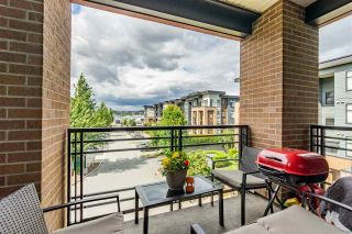 """Photo 15: 316 20068 FRASER Highway in Langley: Langley City Condo for sale in """"Varsity"""" : MLS®# R2473178"""