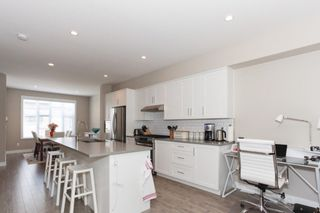 Photo 4: 60 15588 32 AVENUE in South Surrey White Rock: Home for sale : MLS®# R2184132