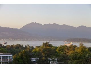 "Photo 8: 4216 W 8TH Avenue in Vancouver: Point Grey House for sale in ""POINT GREY"" (Vancouver West)  : MLS®# V1125944"
