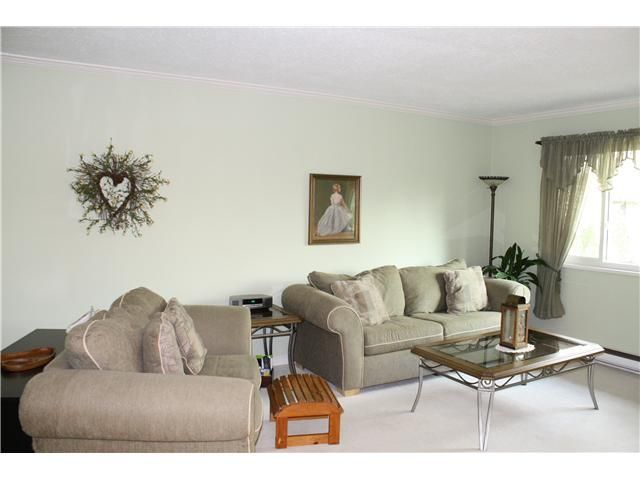 """Photo 3: Photos: 11654 KINGSBRIDGE Drive in Richmond: Ironwood Townhouse for sale in """"KINGSWOOD DOWNES"""" : MLS®# V932492"""