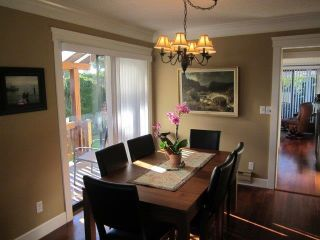 """Photo 8: 1 14217 18A Avenue in Surrey: Sunnyside Park Surrey Townhouse for sale in """"Sunhill Gardens"""" (South Surrey White Rock)  : MLS®# R2326029"""