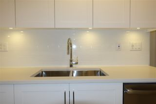 """Photo 4: 105 20673 78 Avenue in Langley: Willoughby Heights Condo for sale in """"Grayson"""" : MLS®# R2444196"""