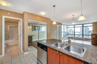 """Photo 6: 1703 610 VICTORIA Street in New Westminster: Downtown NW Condo for sale in """"THE POINT"""" : MLS®# R2431957"""