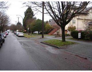 Photo 2: 2463 W 7TH AV in Vancouver: Condo for sale : MLS®# V805606
