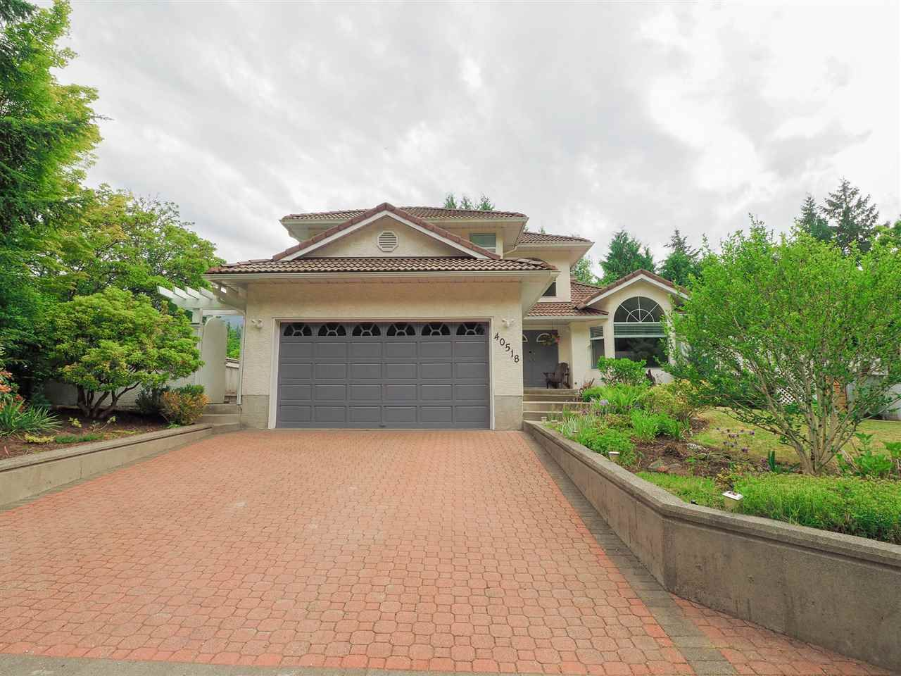 """Main Photo: 40518 N HIGHLANDS Way in Squamish: Garibaldi Highlands House for sale in """"Garibaldi Highlands"""" : MLS®# R2462052"""