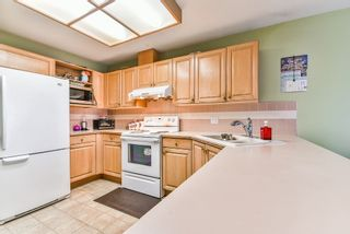 """Photo 6: 47 7875 122 Street in Surrey: West Newton Townhouse for sale in """"The Georgian"""" : MLS®# R2234862"""