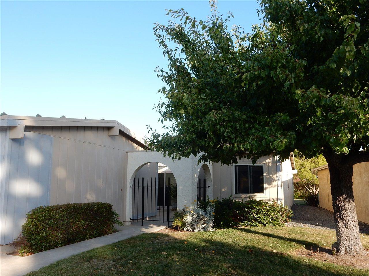 Main Photo: OCEANSIDE House for sale : 2 bedrooms : 3805 Cinnamon Way