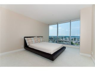 "Photo 6: 3109 1111 ALBERNI Street in Vancouver: West End VW Condo for sale in ""SHANGRI-LA"" (Vancouver West)  : MLS®# V880394"
