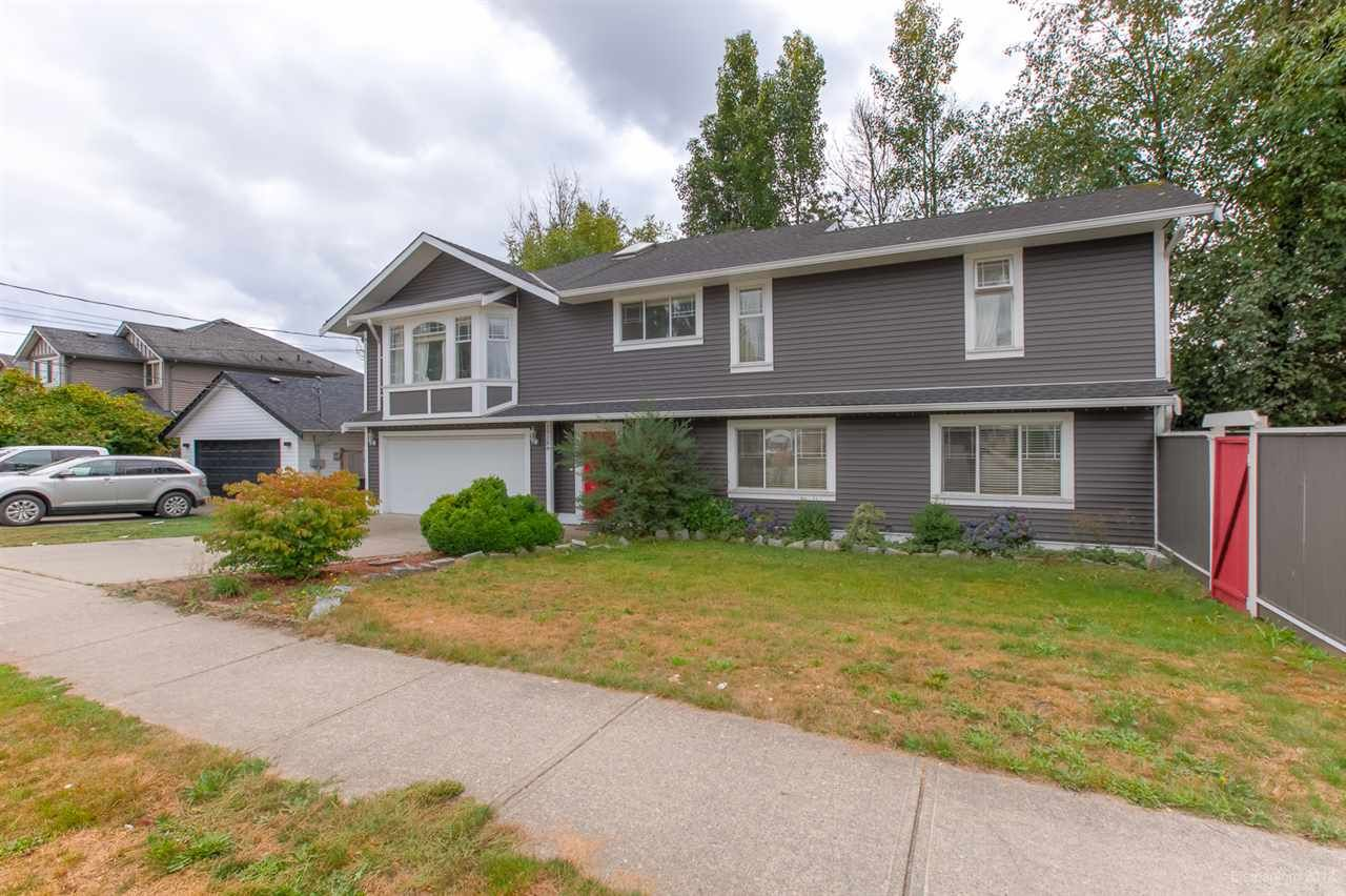 Photo 4: Photos: 19286 PARK Road in Pitt Meadows: Mid Meadows House for sale : MLS®# R2510376