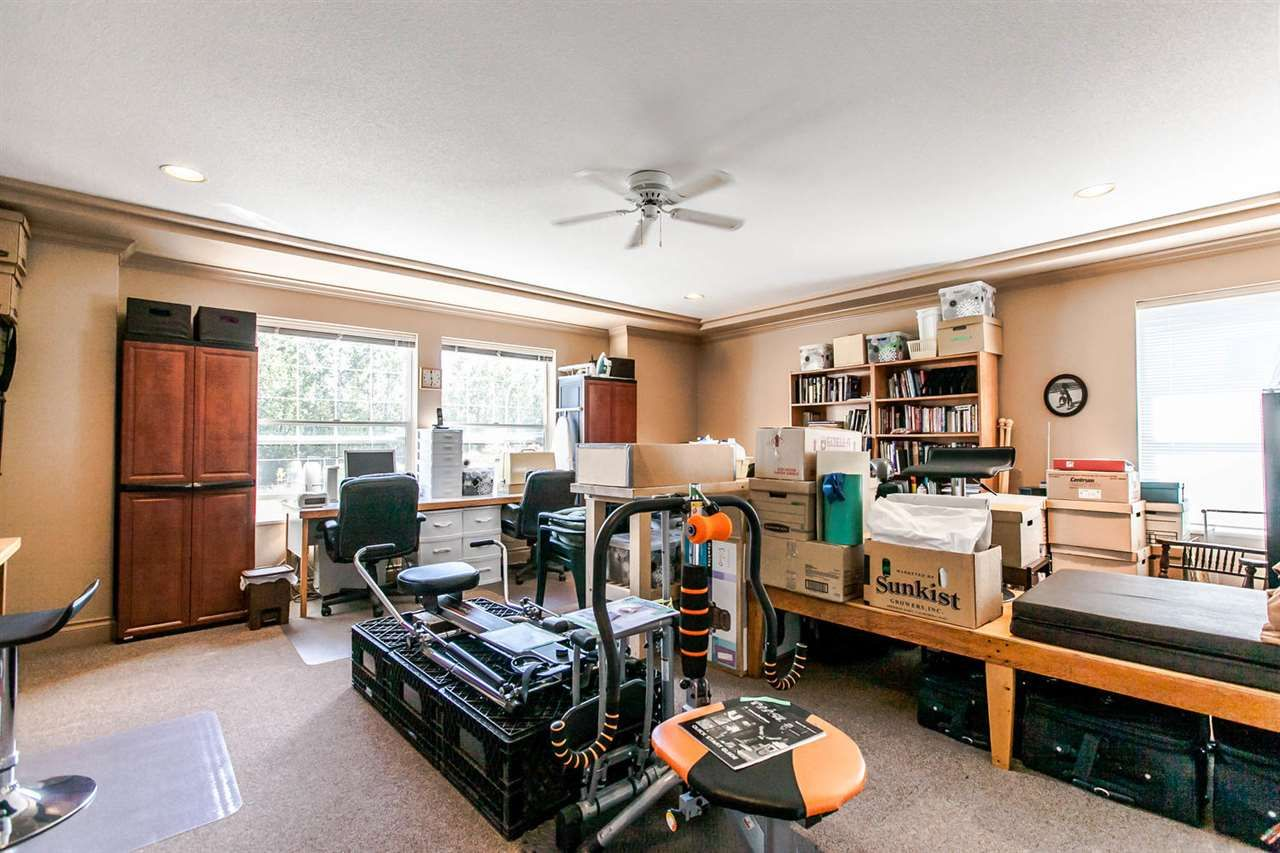 Photo 16: Photos: 21709 44 Avenue in Langley: Murrayville House for sale : MLS®# R2108375
