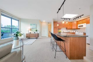 """Photo 7: 704 2655 CRANBERRY Drive in Vancouver: Kitsilano Condo for sale in """"NEW YORKER"""" (Vancouver West)  : MLS®# R2579388"""