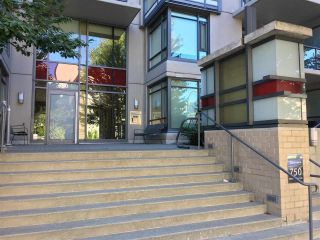 """Photo 13: 311 750 W 12TH Avenue in Vancouver: Fairview VW Condo for sale in """"TAPESTRY"""" (Vancouver West)  : MLS®# R2201307"""