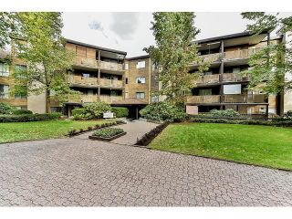 "Photo 1: 209 10644 151A Street in Surrey: Guildford Condo for sale in ""Lincoln Hill"" (North Surrey)  : MLS®# R2003304"