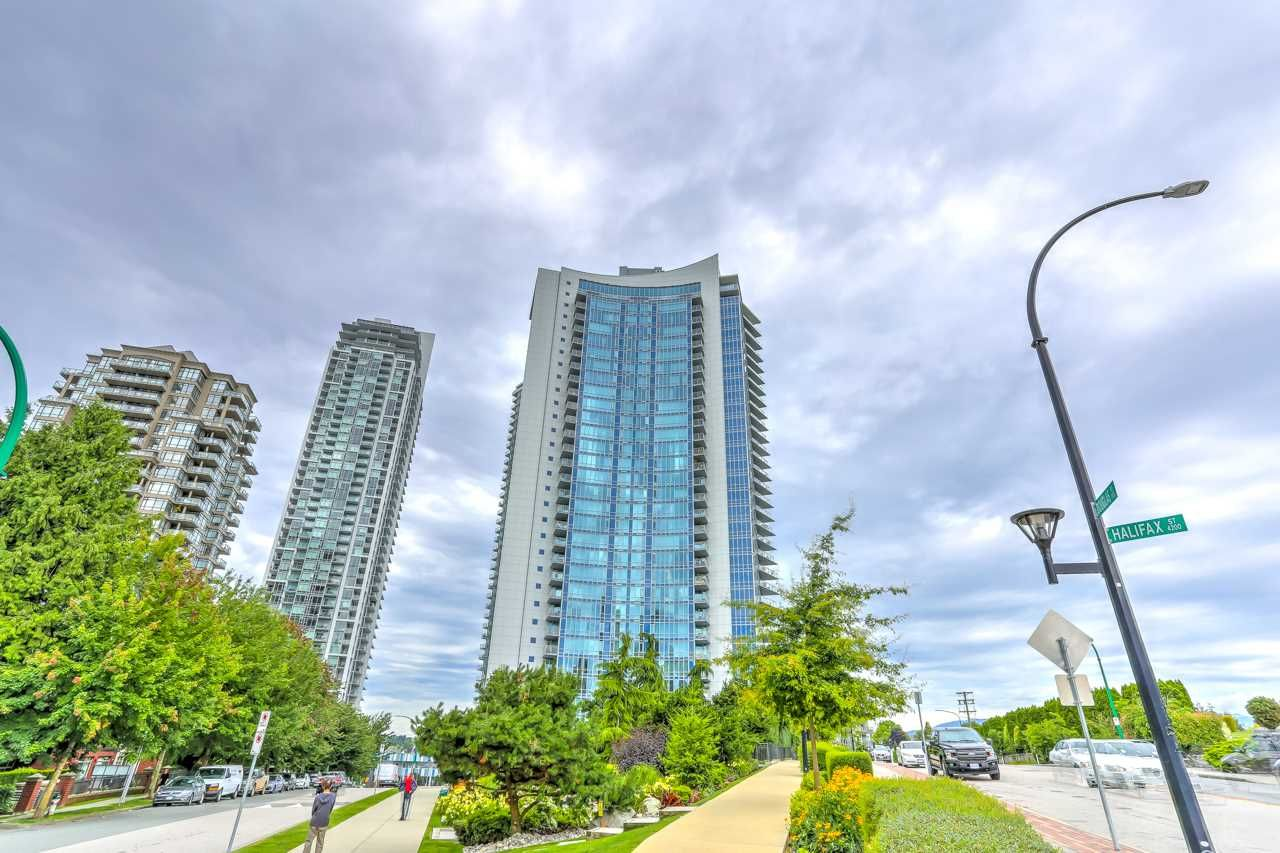 """Main Photo: 3009 4189 HALIFAX Street in Burnaby: Brentwood Park Condo for sale in """"Aviara"""" (Burnaby North)  : MLS®# R2477926"""