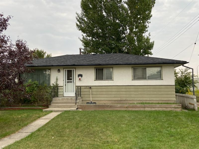 FEATURED LISTING: 1726 44 Street Southeast Calgary