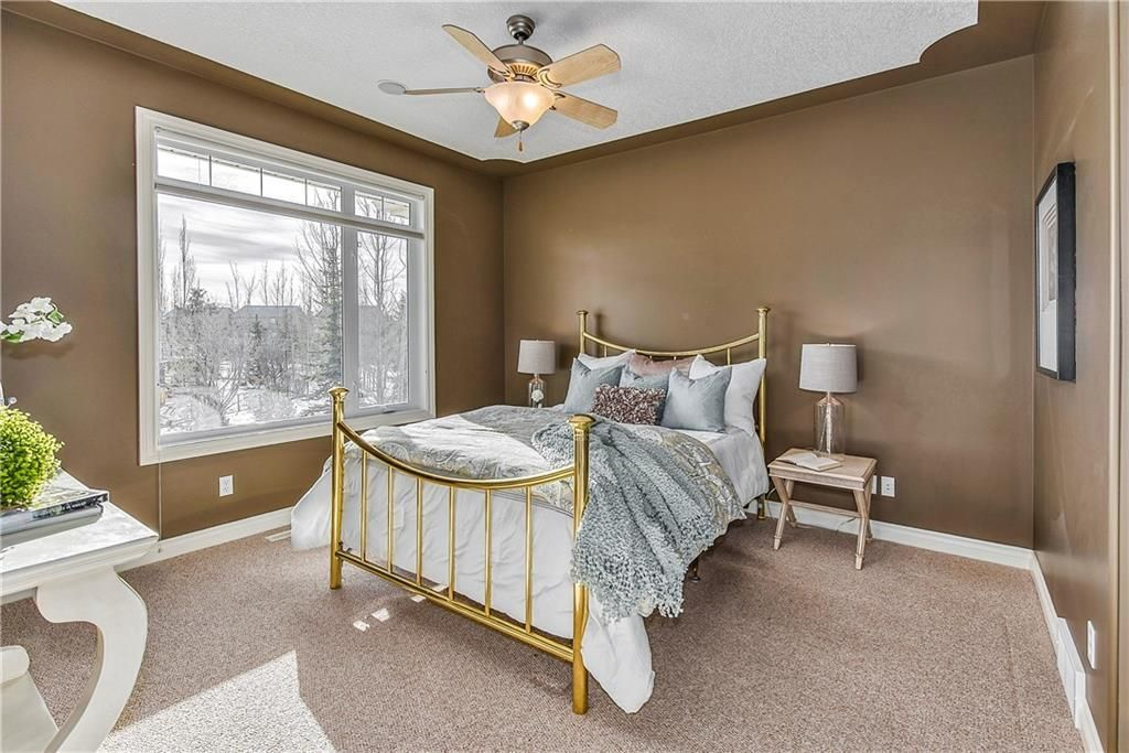 Photo 24: Photos: 73 DISCOVERY WOODS Villa SW in Calgary: Discovery Ridge Semi Detached for sale : MLS®# C4218779